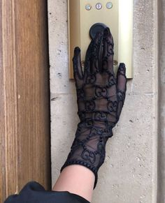 January 08 2020 at fashion-inspo Nike Sweat, Gloves Fashion, Magazine Mode, Classy Aesthetic, Black Gloves, Rich Girl, Classy And Fabulous, Gucci Black, Fashion Clothes