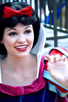 Totally hot and cute Disney Fun, Disney Girls, Disney Magic, Disney Theme, Snow White Makeup, Disney Princesses And Princes, Snow White Disney, Disney Face Characters, Adventures By Disney