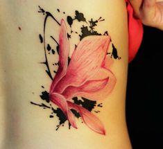 Tattoos Blumen und ihr Symbolik Rücken Schmetterling