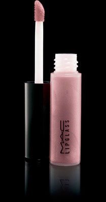 Dreamy: Creates a subtle sheen for daytime and one extra coat for date night creates high gloss lips