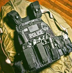 Tactical gear Vest http://www.99wtf.net/young-style/urban-style/kinds-of-urban-look-t-shirt/