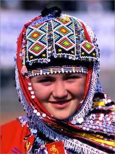 Traditional bridal/festive headgear of the Karakeçeli villages in the district of Keles (south of Bursa).  Clothing style: mid-20th century.