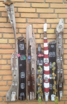 Kunst / kreativ Driftwood city garden or wall decoration. Transform Your Backyard Into A Taco Garden Painted Driftwood, Driftwood Art, Painted Wood, Beach Crafts, Diy And Crafts, Arts And Crafts, Driftwood Projects, Diy Projects, Driftwood Ideas