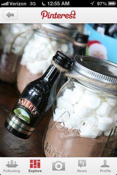 Fun Mason Jar Christmas Gift Idea! #gift #idea #christmas