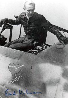 Pilot ME 109 Erich Hartmann luftwaffe ace Luftwaffe, Ww2 Aircraft, Fighter Aircraft, Military Aircraft, German Soldiers Ww2, German Army, Erich Hartmann, Man Of War, Ww2 Planes