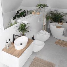 simple Bathroom Decor Paula / MyHome (tam_i_tu) In - bathroomdecor Simple Bathroom Designs, Bathroom Design Small, Bathroom Interior Design, Interior Design Living Room, Spa Bathroom Decor, Serene Bathroom, Bad Inspiration, Bathroom Inspiration, Urban Outfitters Home