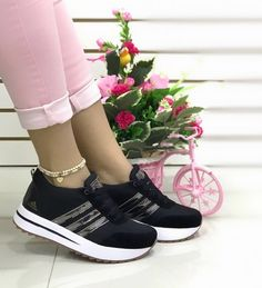 Fab Shoes, Casual Shoes, Sneakers Fashion Outfits, Tenis Casual, Weird Fashion, Boot Brands, Summer Shoes, High Top Sneakers, Adidas Sneakers