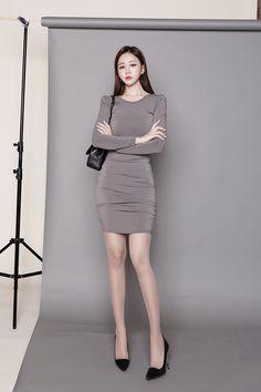 Colorful Fashion, Asian Fashion, Girl Fashion, Fashion Outfits, Womens Fashion, Tight Dresses, Nice Dresses, Gorgeous Women, Asian Beauty