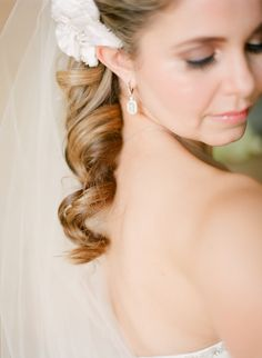 Curled side ponytail #hair | Photography: http://www.lexiafrank.com