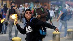 Caracas, la oposición protesta en la calle
