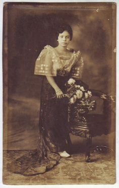 vintage everyday: 24 Charming Photo Postcards of Philippine Girls in Traditional Dresses from between Wedding Dj, Wedding Tips, Perfect Wedding, Photo Postcards, Vintage Postcards, Vintage Photos, Wedding Gowns Online, Bridal Dresses Online, Wedding Dresses