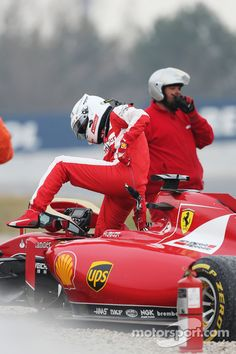 Sebastian Vettel, Ferrari SF15-T spins off the circuit