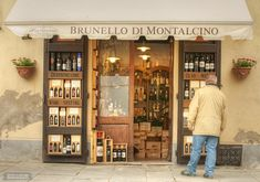 Montalcino Italy Copyright Bethany Salvon BeersandBeans 2013 e1384450990309 3 Tuscan Hill Towns to Add to Your Bucket List