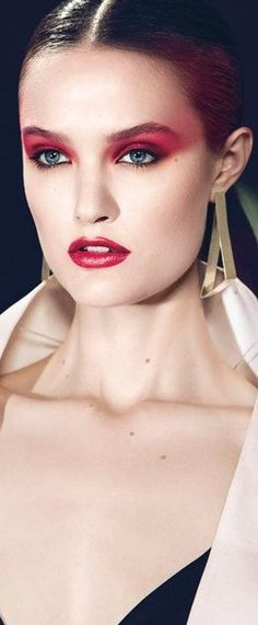 Vintage red eyeshadow & lipstick #red #makeup www.loveitsomuch.com