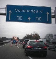 Genau so sollte es auf diesem Schild stehen - stimmt ja auch! | 19 Fotos, die Schwaben raffen, aber den Rest Deutschlands total verwirren