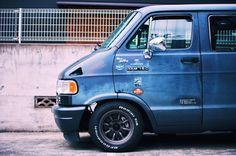 DODGEVANRACING(@dodgevanracing)さん | Twitter Dodge Ram Van, Cool Vans, Car Mods, Car Car, Mopar, Volvo, Cars And Motorcycles, Jeep, Ford