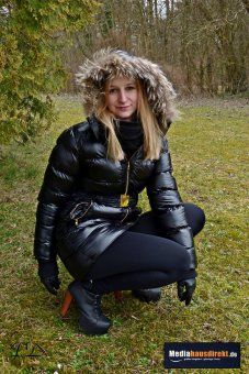 1000 ideas about winterjacke mit fell on pinterest. Black Bedroom Furniture Sets. Home Design Ideas