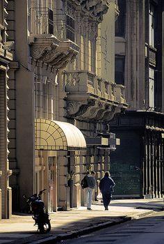 Microcentro, Buenos Aires, Argentina. Photo: Sigfrid Lopez via Flickr. Hotel Posta Carretas