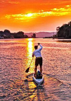 SUP - into the sunset... Visit http://standuppaddleboardreviewsite.org/  #sup #paddleboard #standuppaddle