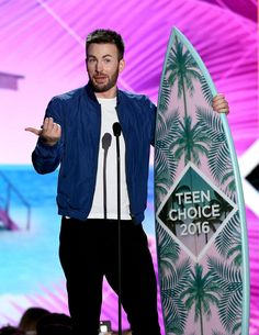 "Pin for Later: See Chris Evans Finally Get the Surfboard He's ""Always Wanted"""