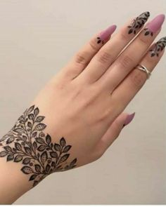 Latest Amazing Mehndi Designs For Parties Hello Guys! here you will see Latest Mehndi Designs with Amazing Patterns for your Hands and. Mehndi Designs Finger, Mehndi Designs Book, Mehndi Designs For Girls, Mehndi Design Photos, Mehndi Designs For Fingers, Latest Mehndi Designs, Mehandi Designs, Dubai Mehendi Designs, Arabian Mehndi Design