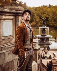 Batch 1453 / Men in Music / Lin Manuel Miranda; creator of In The Heights and Hamilton: An American Musical. Cassandra Calin, Lin Manual Miranda, Comedia Musical, Hamilton Lin Manuel Miranda, His Dark Materials, Look Man, Hamilton Musical, Hamilton Broadway, And Peggy