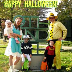 Mary, her little lamb, a BYU football player, the man in the yellow hat and curious george :) Holidays Halloween, Scary Halloween, Happy Halloween, Halloween Costumes, Christmas Couple, Christmas Music, Football Player Halloween Costume, Byu Football, Curious George
