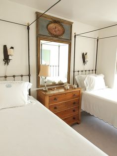 twin bed set up. love the chest. gerrie bremermann's new orleans condo