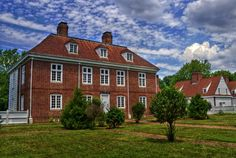 """William Penn knew what he wanted. """"A country life and estate I like best for my children."""" By the spring of 1683 construction was underway on Penn's home in the country. Today, his recreated 17th century estate sits on 43 picturesque acres along the Delaware River."""