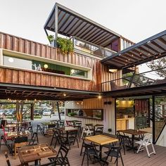 Tarde para un cafecito? Te gustaría tomarlo en este #containerbar #Suitebox #ecofriendly #sustentable #diseño #casacontenedor #containers…