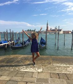 Summer in 2017 in #Venice? Here for it. Thank @foxxyfro for the inspo! // Travel Well #TravelFly!