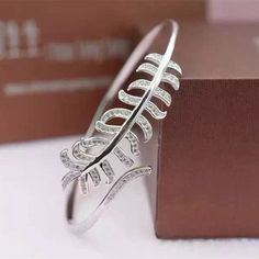Find More Bangles Information about Free Shipment Designer Style Women Fashion Sterling Silver With Platinum Zircon Leaf Bangle,High Quality fashion rings silver,China fashion bad Suppliers, Cheap fashion 4 from Perfect-Jewellery on Aliexpress.com