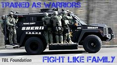 Art SWAT my-career-someday Swat Police, Police Wife, Military Police, Police Cars, Police Officer, Army, Police Vehicles, Police Family, Military Gear