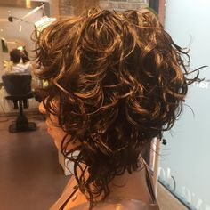 30 neue lockige Bob Frisuren 2017 – Curly Kurz Bob Mia Line Länge Layered , Kurze Frisuren Bob Haircut Curly, Haircuts For Curly Hair, Curly Hair Cuts, Wavy Hair, Short Hair Cuts, Curly Hair Styles, Natural Hair Styles, Curly Short, Haircut Short