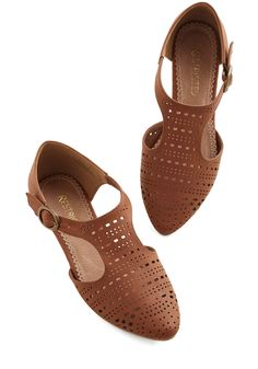 Sunday Social Flat. A Sunday afternoon stroll can quickly turn into a delightful social when all of your neighbors and friends stop to chat, and compliment your cognac flats by Restricted. #brown #modcloth