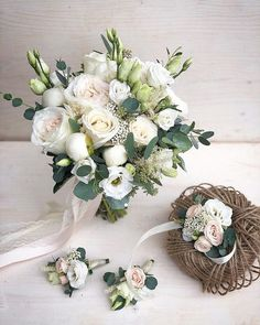 The bride's bouquet is almost as important as her wedding dress. With so many flowers and options, it is time to put together your own spring wedding bouquet. Spring Wedding Bouquets, Bride Bouquets, Flower Bouquet Wedding, Floral Wedding, Rustic Wedding, Boquet, Hand Flowers, Bridal Flowers, Flower Decorations
