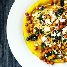 """""""Whole rye spaghetti with fresh spinach, roasted paprika chickpeas, pumpkin sauce and feta cheese #eatclean #cleanrecipe #fitfoodie #food #vegetarian…"""""""