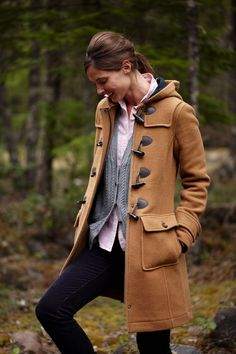 cute look for a toggle coat (via cape cod collegiate) Fall Outfits, Cute Outfits, Fashion Outfits, Preppy Style, My Style, Feminine Tomboy, Vogue, Casual Fall, Autumn