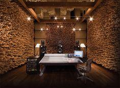 The ultimate home recording studio equipment site. Great deals and huge selection of home recording studio equipment. Studio Audio, Home Studio Musik, Music Studio Room, Recording Studio Design, Sound Studio, Nahrávací Studio, Dream Studio, Blackbird Studios, Home Music