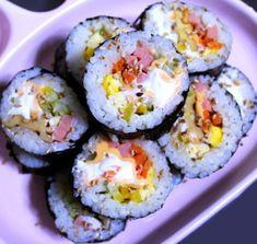 모르면 손해!!예쁘고 이색적인 김밥 12가지 종류 Korean Food, Korean Recipes, Appetisers, Sushi, Food And Drink, Cooking Recipes, Baking, Ethnic Recipes, Korean Cuisine