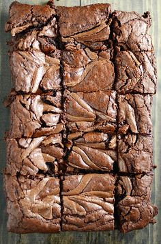 These Nutella Brownies are insanely rich and fudge-y. And, duh, Nutella! desserts Nutella Brownies - Something Swanky Just Desserts, Delicious Desserts, Dessert Recipes, Yummy Food, Bar Recipes, Dessert Ideas, Brownie Recipes, Dessert Bars, Sweet Recipes