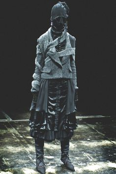 Post-Apocalyptic Fashion--nope, not gettin' it--I don't know whether to laugh or laugh--