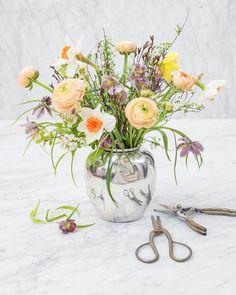 """85 tykkäystä, 8 kommenttia - Flower Power (@flowerpowerbook) Instagramissa: """"Happy Easter! . . . #flowerpowers #flowerpowerbook…"""""""