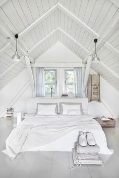 What comes in your mind when somebody said loft room? Can it be the dusty, chilly, old room which is certainly unsuitable for a bedroom? ) If so, then you will need to observe these minimalist and modern loft bedroom… Continue Reading → Attic Master Bedroom, Attic Bedrooms, Bedroom Loft, Bedroom Decor, Attic Bathroom, Bathroom Plans, Basement Bathroom, Bedroom Storage, Bedroom Ideas