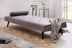 Retro posteľ zamatová strieborná. Bedroom Furniture Sets, Bedroom Sets, Home Furniture, Furniture Design, Primitive Dining Rooms, Reclining Sofa, Settee, Elegant, House Design