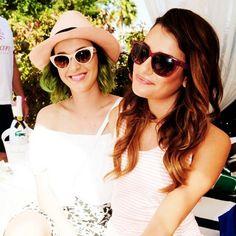 Pin for Later: Die Stars hinter den Kulissen beim Coachella-Festival  Lea Michele plauderte mit Katy Perry. Source: Instagram user msleamichele