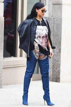 Рианна в сапогах Manolo Blahnik x Rihanna