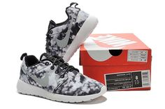 Best Nike Roshe Run Women Cloud Black White Silver Reflective Shoes Nike Flyknit Trainer, Nike Free Trainer, Michael Jordan Shoes, Air Jordan Shoes, Nike Sb, Nike Zoom, Jordan Shoes Online, Reflective Shoes, Tiffany Blue Nikes