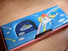 Straight out of Septembergirl's (me) vintage Hello Kitty Little Twin Stars pencil case. Double-sided too! I loved my pencil case! School Memories, My Childhood Memories, Childhood Toys, Best Memories, School Days, Little Twin Stars, Retro Toys, Vintage Toys, 1980s Toys