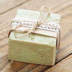 Find out how to make a gentle and healing tea tree soap bar with antiseptic, anti-fungal and antibacterial properties. Soap Making Recipes, Soap Recipes, Diy Soap Bubbles, Tea Tree Soap, Homemade Almond Milk, Young Living Oils, Lotion Bars, Homemade Beauty Products, Cold Process Soap